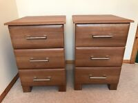 3 drawer bedside cabinets x2, Excellent condition