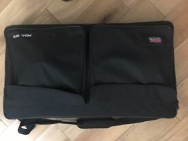 Gator Guitar Pedalboard with tote bag (pro).
