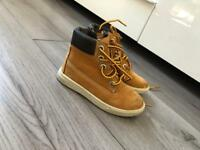 Boys size 7 timberland boots