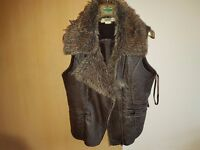 Sleeveless faux leather vest size M