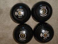 Lawn/indoor/short mat Bowls Taylor International size 4 medium
