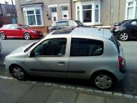 IDEAL FIRST/LEANERS CAR CLEAN 2004 RENAULT CLIO 1.2 PETROL MOT 02/2018 DRIVE AWAY BARGAIN £400