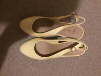 2 pairs of Ladies size 8 heels