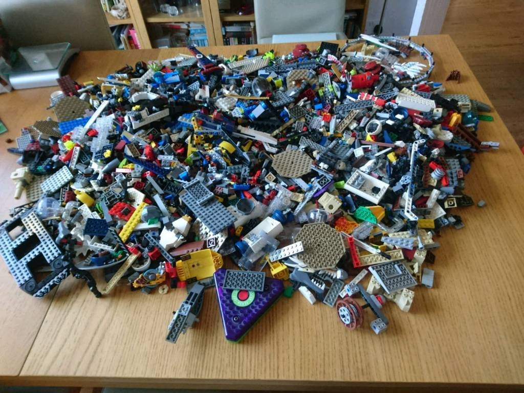 Massive bundle Of lego
