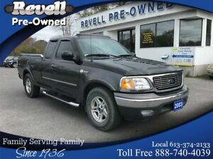 2003 Ford F-150 Heritage XLT  *ONLY 32k  4.6L.  MINT