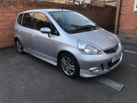Very well maintained, comes with FULL SERVICE HISTORY and BILLS. No faults.