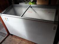 quality freezer,fan cooled motor , 2 sliding lids, internal light, cost over £600 , in great order.