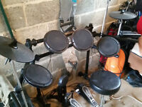 Pro Session DD505 Electronic drum kit plus powered monitor
