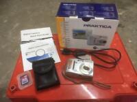 Praktica DPix 750Z Digital Camera