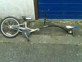 Trail a bike trailer bicycle