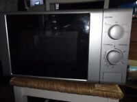 Microwave oven, 650 - 700W silver £5