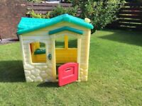 LITTLE TIKES COTTAGE STYLE OUTDOOR PLAYHOUSE