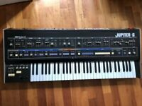 Roland Jupiter 6 Legendary Synth in Excellent condition!