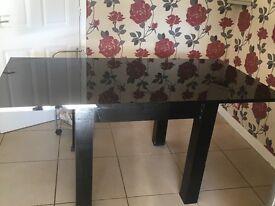 High gloss black table & chairs