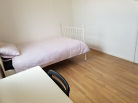 Spacious Double Room To Let / E14 Area, Zone 2 / All Bill's INC / Available Now