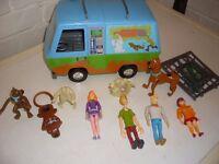 scoobydoo van and figures
