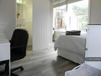 2 bedroom flat in First Floor, Hull, HU5 (2 bed) (#876595)