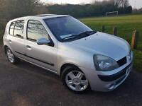 5 Door Clio 1.1L petrol with Service history ready to go