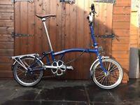 Brompton M6R bike, 6 speed folding bike with luggage rack