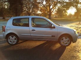 2006 Renault Clio campus 1.1 only 70k on the clock and mot till may 2017
