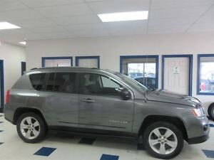 2011 Jeep Compass 4X4 NORTH EDITION 5 VITESSES !! JAMAIS ACCIDEN