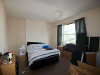 *6 month rent only* Large 4 double bedroom house with private garden minutes from Holloway Road tube