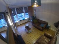 Furnished one bed and box room flat to let in Edinburgh's desirable Hillside area