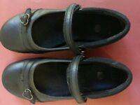 Older Girls Clarks shoes size 1.5 E