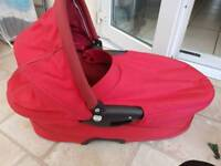 Quinny buzz carrycot in red