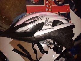 Trek Vapor woman's cycle helmet size Small/Medium 52-60cm bicycle bike safety protection
