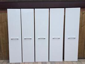 Four white gloss door & hinges