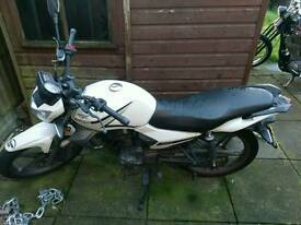 Keeway RK125 motorbike
