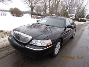 2011 Lincoln Town Car Executive Limo Package