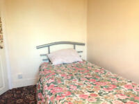 Room to Rent In ROMFORD RM7 0XB ===ALL BILLS INCLUDED===