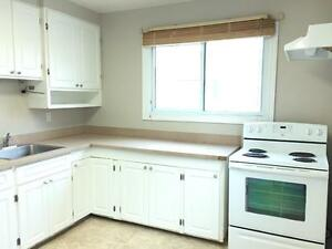 11739-122 Street - ALL INCLUSIVE! FREE RENT! 2 bed main floor! Edmonton Edmonton Area image 6