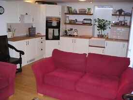 Furnished large double bedroom in shared house in Hanover (central Brighton) £600 ppm incl bills