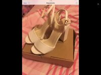 Size 5 shoes only worn once come in box good Christmas gift