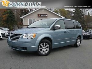 2010 Chrysler Town & Country Touring SWIVEL 'N GO