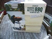 BARBECUE BRAND NEW KETTLE DESIGN COMPLETE WITH COVER AND TOOLS TESCO COST NEW £25