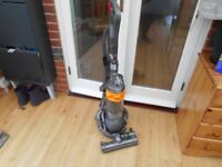 DYSON DC 25 MK 2 STEEL BALL YELLOW ROOTS EXCELLENT CONDITION AND STRONG SUCTION WITH 2 TOOLS