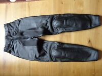 Daniese ladies leather motorcycle trousers. Black. Size 44cm (UK size 8-10)