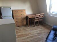 2 bedroom flat in Kilburn High Road, Kilburn, NW6