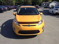 2011 Ford Fiesta SES Loaded! A/C PWR ROOF