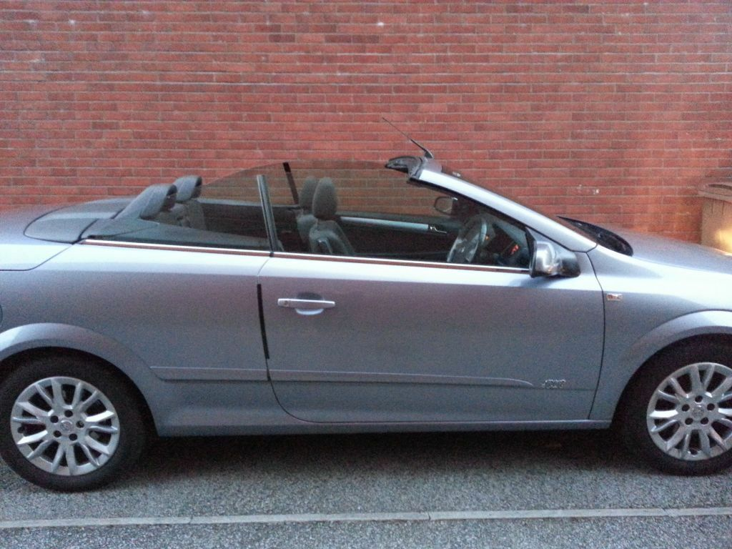 vauxhall astra 1 8 twin top 2009 in plymouth devon gumtree. Black Bedroom Furniture Sets. Home Design Ideas