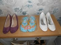 WOMENS SHOES SIZE 6 AND 7 AND FLIP FLOPS SIZE 40