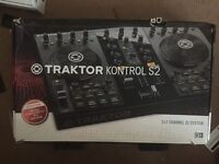 TRAKTOR KONTROL S2 (remix deck)