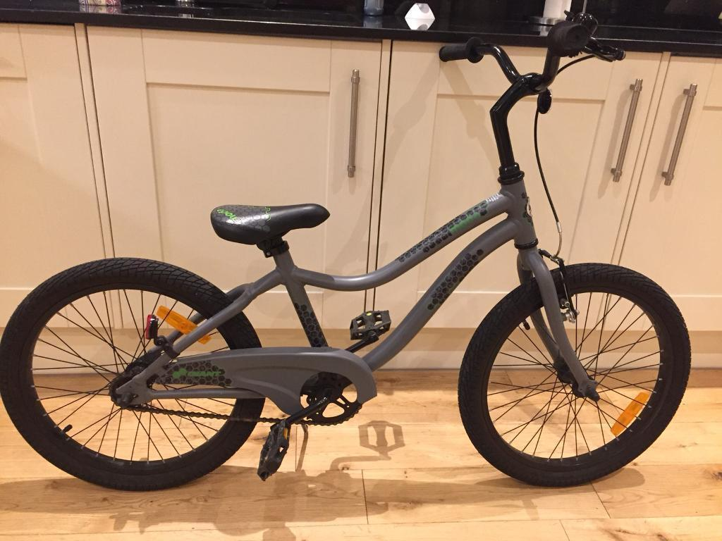 Giant Moda kids bike as new