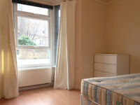 095Y- HAMMERSMITH -MODERN DOUBLE STUDIO FLAT,SEPARATE KITCHEN,FURNISHED,BILLS INCLUDED - £270 WEEK