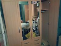 4 door wardrobe great condition buyer collect and dismantle