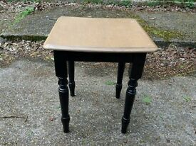 LOVELY PINE RUSTIC SIDE TABLE SQUARE SHABBY CHIC